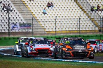 Maxime Potty, Team WRT Volkswagen Golf GTI TCR, Luca Engstler, M1RA Motorsport Hyundai i30 N TCR