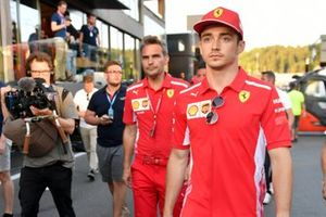 Charles Leclerc, Ferrari, quitte le circuit