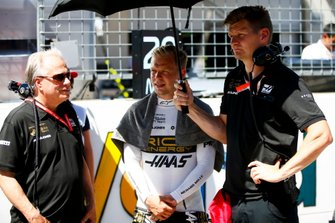 Gene Haas, Owner and Founder, Haas F1, and Kevin Magnussen, Haas F1, on the grid
