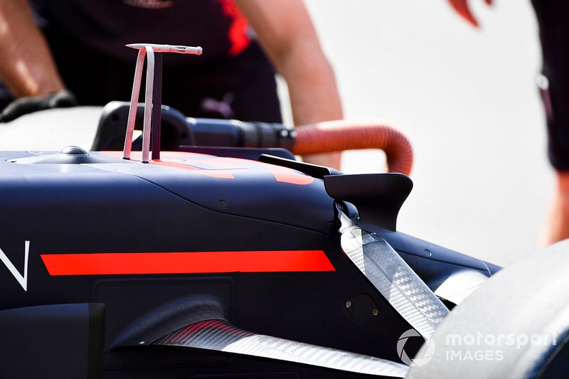 Red Bull RB15: Pitot-Rohr