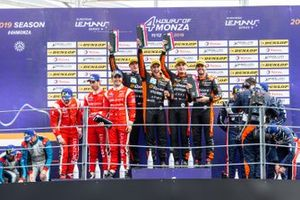 Подиум: победители #26 G-Drive Racing Aurus 01 Gibson: Норман Нато, Роман Русинов и Йоб ван Эйтерт, ставшие вторыми #28 IDEC Sport Oreca 07 Gibson: Поль Лафарг, Поль-Луп Шатен, Мемо Рохас, обладатели третьего места #32 United Autosports Ligier JSP217 Gibson: Райан Каллен, Алекс Брандл, Уильям Оуэн
