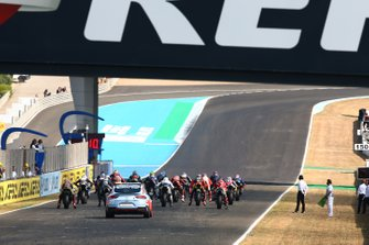 Race start, Jonathan Rea, Kawasaki Racing back of the grid