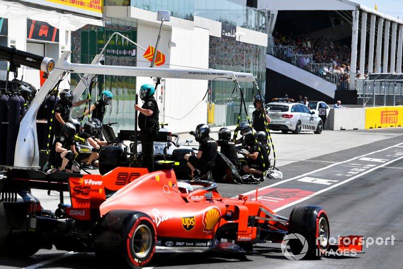 Charles Leclerc, Ferrari SF90, Valtteri Bottas, Mercedes AMG W10