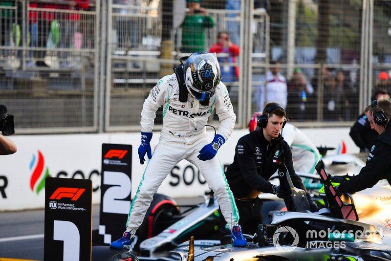 Alheio a tudo isso, Valtteri Bottas conquistou a pole position, com direito a quebra de recorde da pista