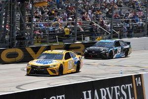 Kyle Busch, Joe Gibbs Racing, Toyota Camry Pedigree and Martin Truex Jr., Joe Gibbs Racing, Toyota Camry Sirius XM