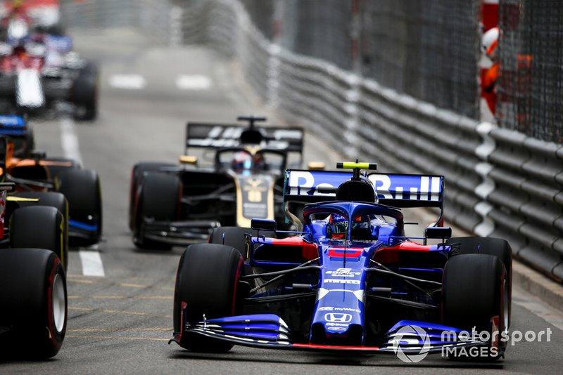 Alexander Albon, Toro Rosso STR14 al inicio
