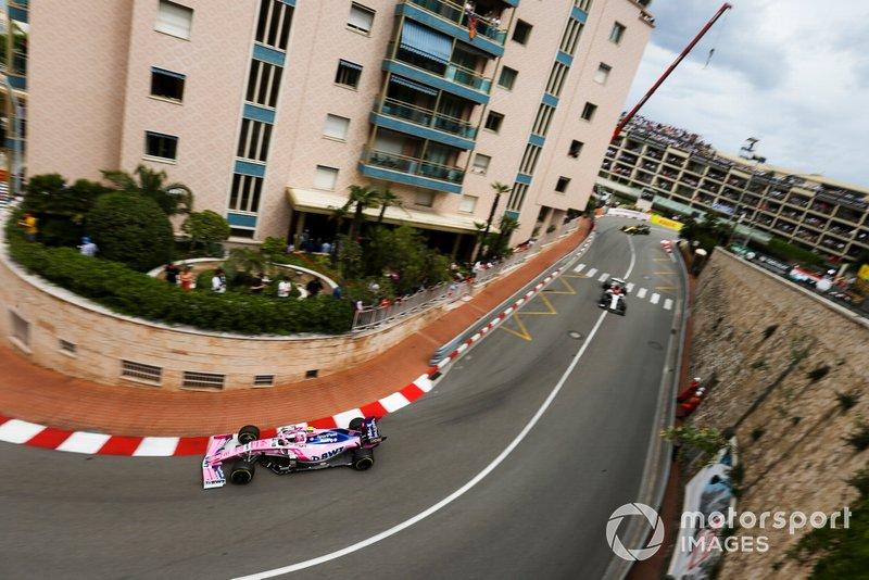 Lance Stroll, Racing Point RP19, leads Kimi Raikkonen, Alfa Romeo Racing C38