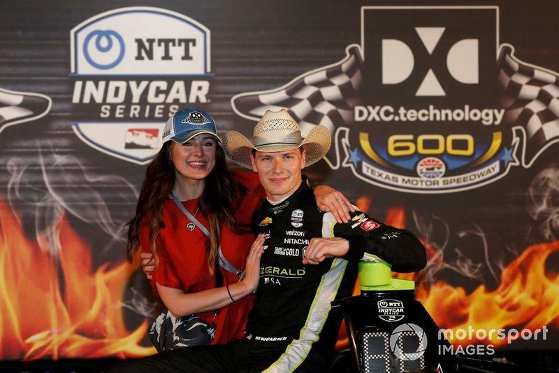 Josef Newgarden, Team Penske Chevrolet celebrates with his fiancee Ashley in victory lane