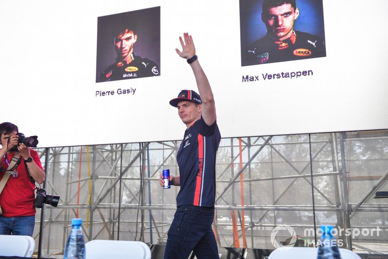 Max Verstappen, Red Bull Racing, alla sessione autografi