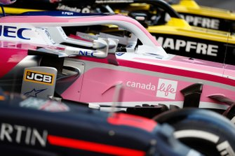 Los Red Bull Racing RB15, Racing Point RP19 y Renault R.S.19