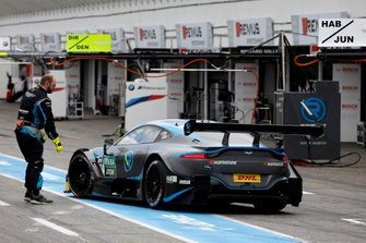 Daniel Juncadella, R-Motorsport, Aston Martin Vantage AMR back to the pits