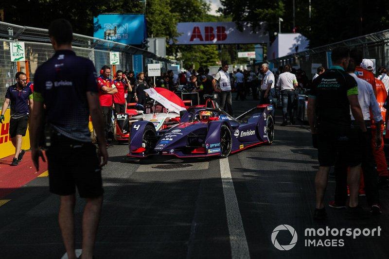 Robin Frijns, Envision Virgin Racing, Audi e-tron FE05 en la parrilla de salida