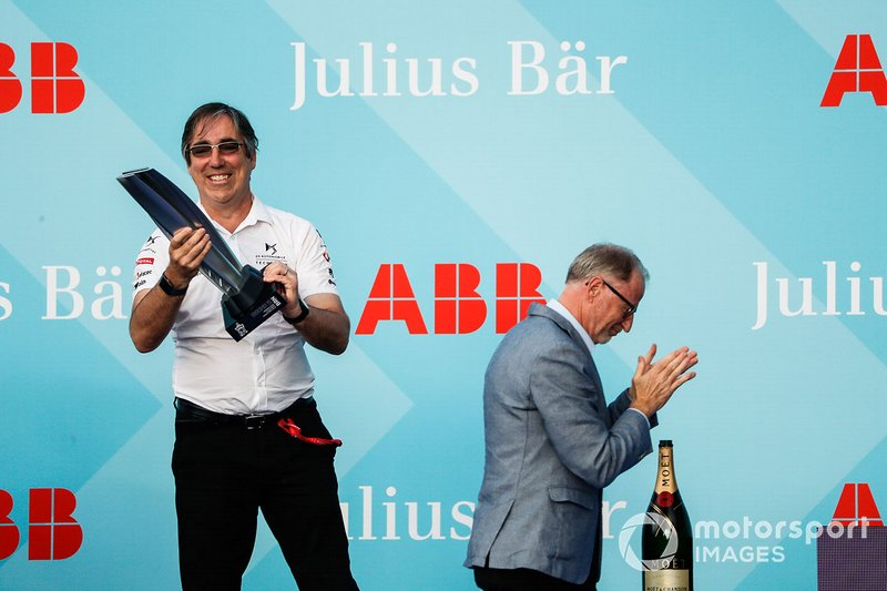 Mark Preston, Team Principal, DS TECHEETAH celebrates the team's victory on the podium