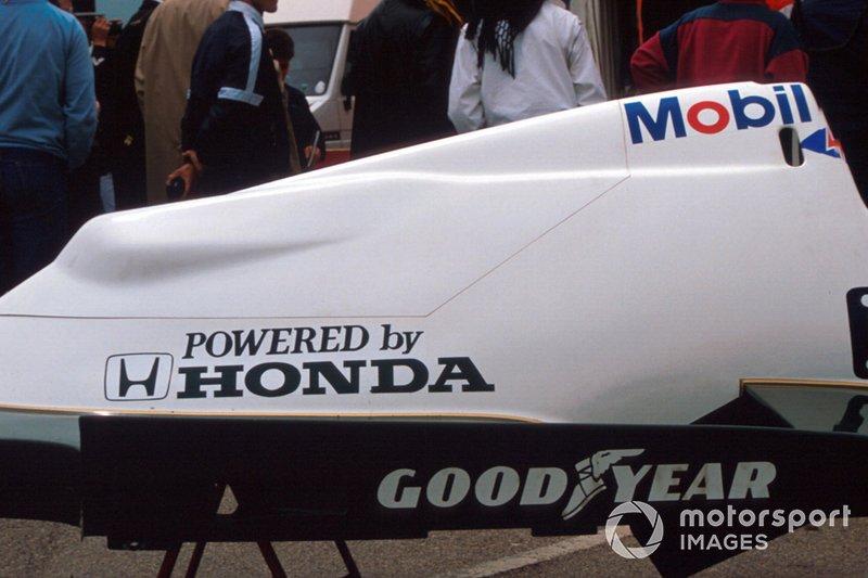 Motorenabdeckung: Williams FW09B