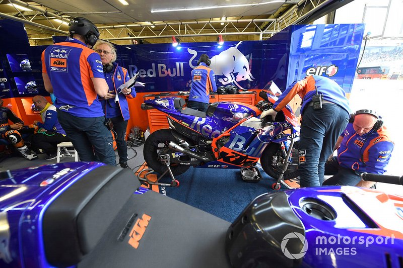 Tech3 KTM team garage