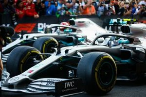 Valtteri Bottas, Mercedes AMG W10, 1st position, in Parc Ferme