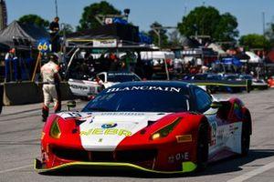 #19, Ferrari 488 GT3, Christopher Cagnazzi and Brian Kaminskey