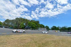 #62 Weathertech Racing Ferrari 488 GTE: Cooper MacNeil, Toni Vilander, Robert Smith, #94 Porsche GT Team Porsche 911 RSR: Sven Müller, Mathieu Jaminet, Dennis Olsen