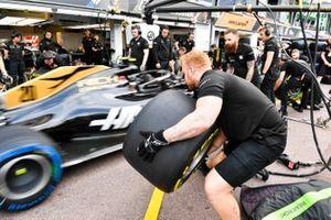 Prove pit stop per Haas F1