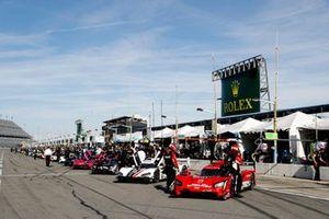 #31 Action Express Racing Cadillac DPi: Chase Elliott, Mike Conway, Felipe Nasr, Pipo Derani, #55: Mazda Motorsports Mazda DPi, DPi: Jonathan Bomarito, Harry Tincknell, Oliver Jarvis