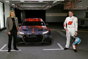 Maren Braun e Frédéric Vervisch alla presentazione dell' Audi RS 3 LMS TCR