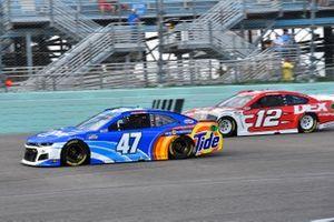 Ricky Stenhouse Jr., JTG Daugherty Racing, Chevrolet Camaro Kroger/Tide Power Pods, Ryan Blaney, Team Penske, Ford Mustang Dex Imaging