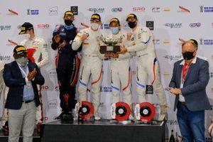 Podio: i vincitori #34 Walkenhorst Motorsport BMW M6 GT3: Augusto Farfus, Nicky Catsburg, Sheldon van der Linde