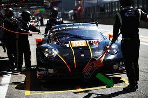#86 GR Racing Porsche 911 RSR - 19 : Michael Wainwright, Benjamin Barker, Tom Gamble