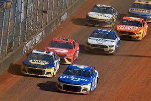 Ricky Stenhouse Jr., JTG Daugherty Racing, Chevrolet Camaro Kroger and Chase Elliott, Hendrick Motorsports, Chevrolet Camaro NAPA Auto Parts