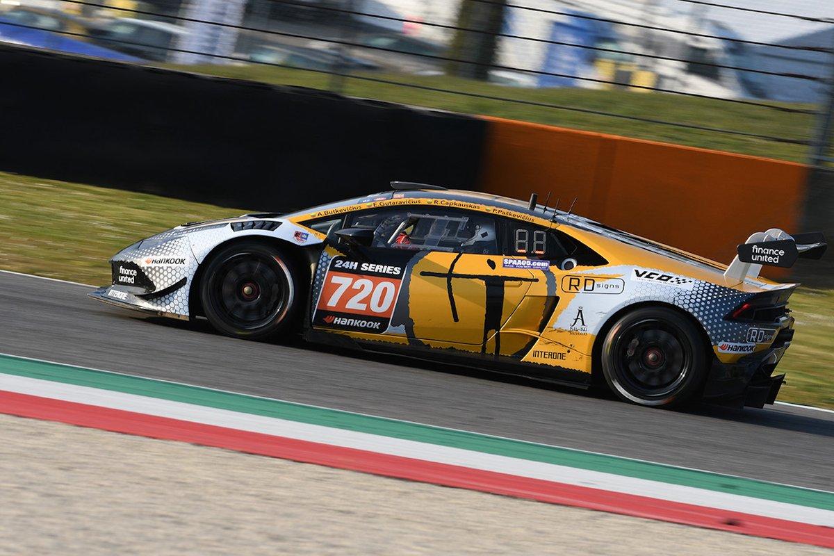 #720 Siauliai - RD Signs racing team: Audrius Butkevicius, Egidijus Gutaravicius, Ramunas Capkauskas, Paulius Paskevicius, Lamborghini Huracán Super Trofeo