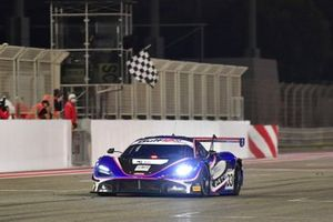 1. #33 2 Seas Motorsport, McLaren 720S GT3: Isa Bin Abdullah Alkhalifa, Ben Barnicoat, Martin Kodric