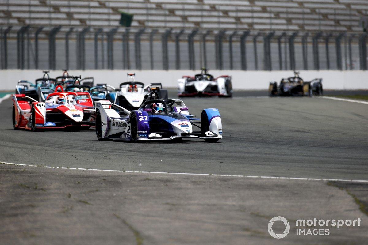 Jake Dennis, BMW i Andretti Motorsport, BMW iFE.21, Alex Lynn, Mahindra Racing, M7Electro