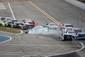 Aric Almirola, Stewart-Haas Racing, Ford Mustang, crash