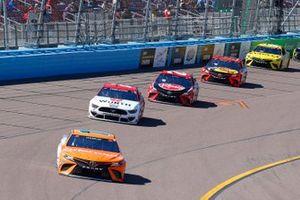 Denny Hamlin, Joe Gibbs Racing, Toyota Camry Offerpad, Brad Keselowski, Team Penske, Ford Mustang Wurth