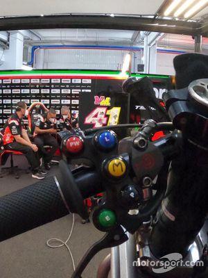 Professioni del Motorsport: nei segreti dell'elettronica dell' Aprilia Racing