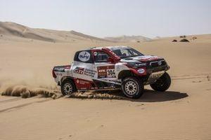 #304 Toyota Gazoo Racing Toyota Hilux: Giniel de Villiers, Alex Haro