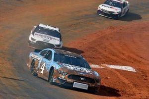 Kevin Harvick, Stewart-Haas Racing, Ford Mustang Busch Light, Brad Keselowski, Team Penske, Ford Mustang Discount Tire