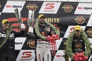Podium: Race winner Shane van Gisbergen, Triple Eight Race Engineering Holden, second place Brodie Kostecki, Erebus Motorsport Holden, third place David Reynolds, Kelly Grove Racing Ford