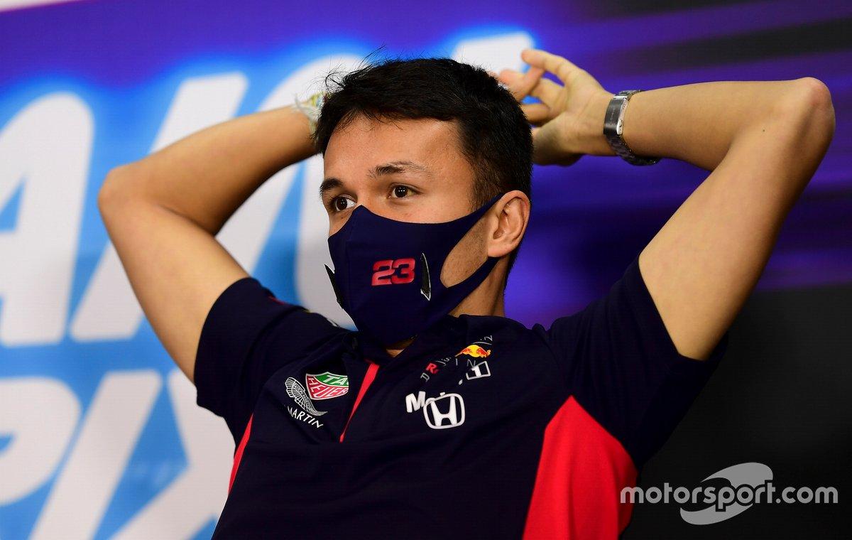 Alex Albon, Red Bull Racing en la conferencia de prensa