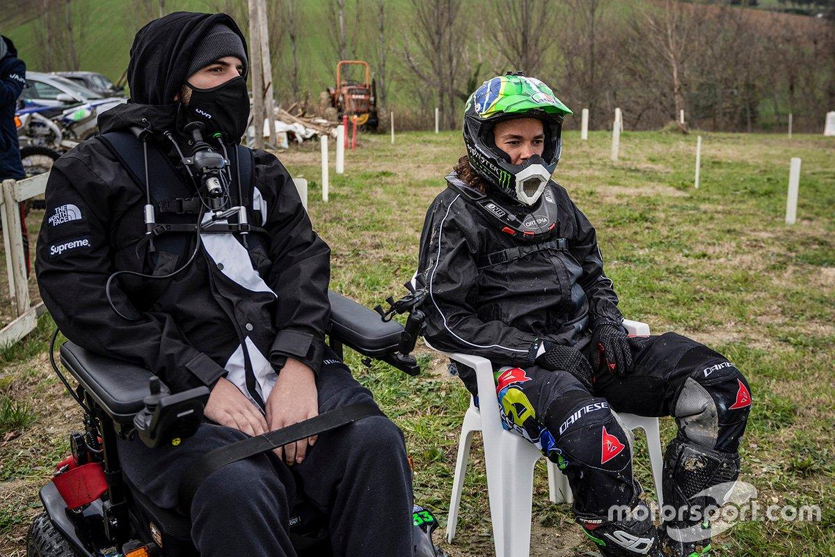 Bryan Toccaceli, coach de la VR46 Riders Academy, con Franco Morbidelli