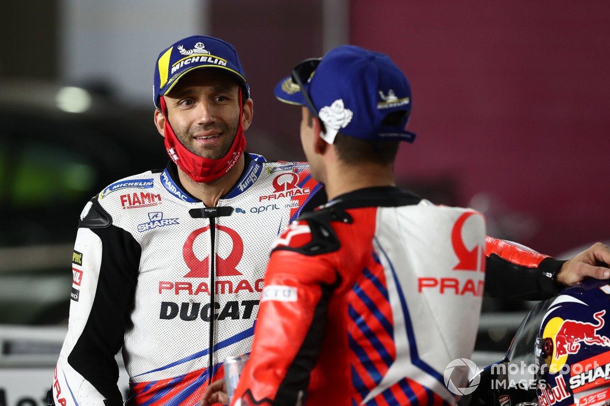 Tercer lugar Jorge Martín, Pramac Racing, y el segundo lugar Johann Zarco, Pramac Racing