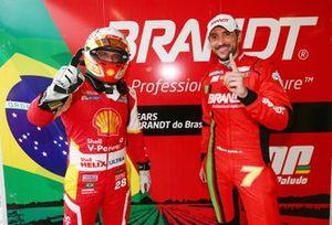 Dennis Dirani e Miguel Paludo comemoram pole em Interlagos