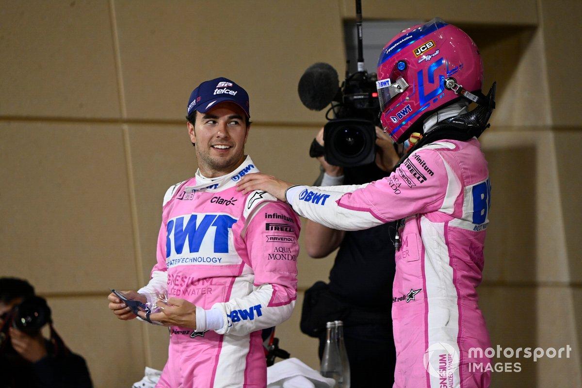 Sergio Pérez, Racing Point, 1er puesto, es felicitado por Lance Stroll, Racing Point, 3er puesto, en Parc Ferme
