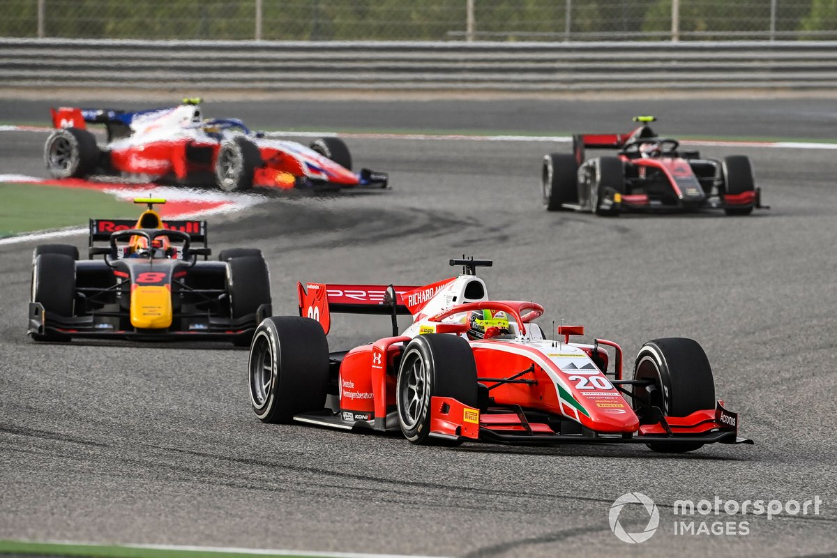 Mick Schumacher, Prema Racing precede Jehan Daruvala, Carlin, Callum Ilott, UNI-Virtuosi e Robert Shwartzman, Prema Racing
