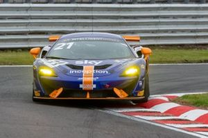 #21 Balfe Motorsport McLaren 570S GT4: Mia Flewitt, Euan Hankey