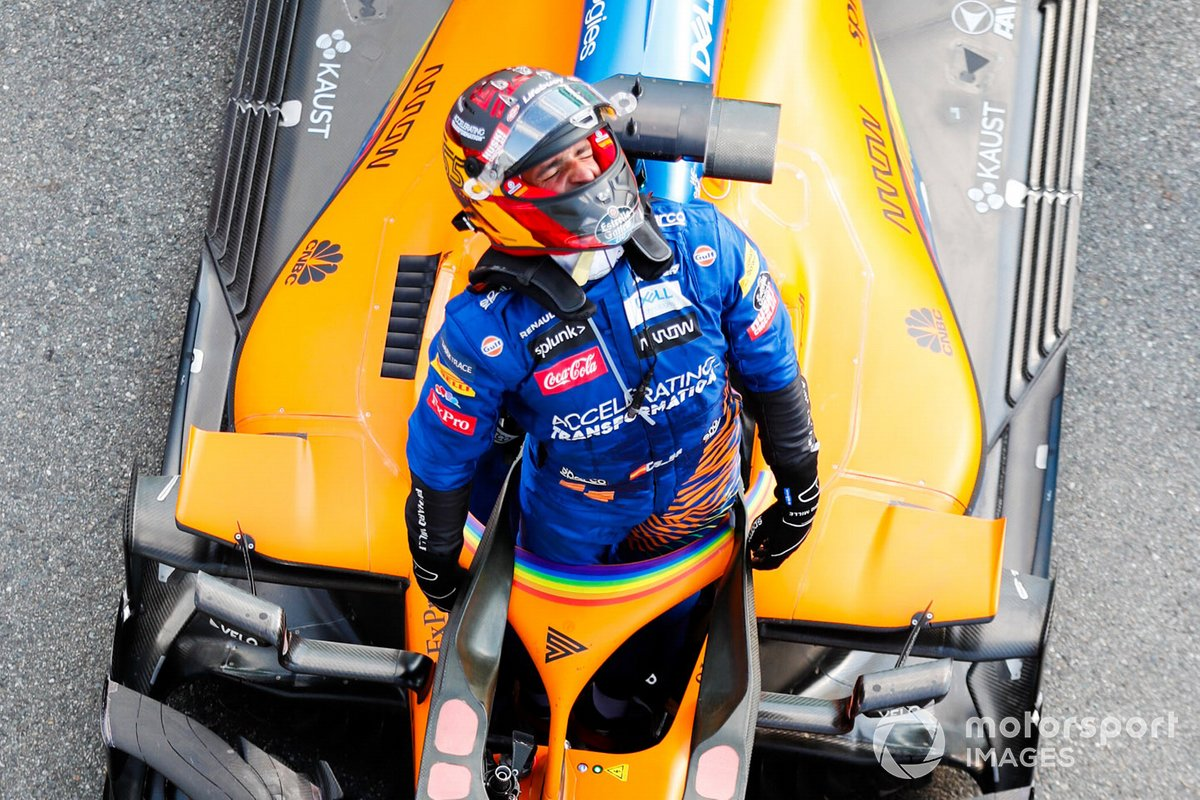 Carlos Sainz Jr., McLaren, 2nd position, celebrates on arrival in Parc Ferme