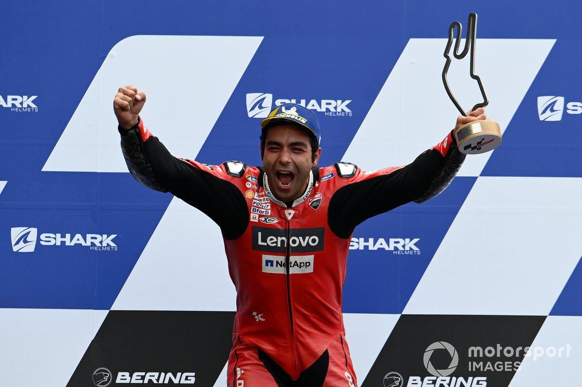 Podio: ganador Danilo Petrucci, Ducati Team