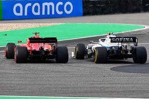 Nicholas Latifi, Williams FW43, battles with Sebastian Vettel, Ferrari SF1000