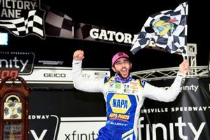 Yarış galibi Chase Elliott, Hendrick Motorsports, Chevrolet Camaro