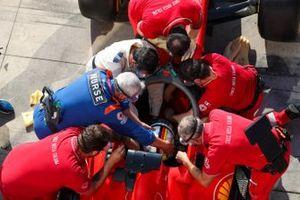 Sebastian Vettel, Ferrari, practics medical assessment